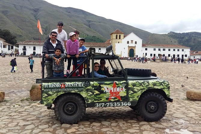 On this 4-hours Off Road Tour, get ready to live experiences full of adventure in an eco-friendly environment ! Walk through ancient trails and enjoy a charming landscape surrounded by the beauty and history of this wonderfull town. Visit and learn about the most important spots that Villa de Leyva has to offer <br><br>Enjoy a complimentary Hotel Pick up and transfer in Off road transportation<br><br>Tickets are not included