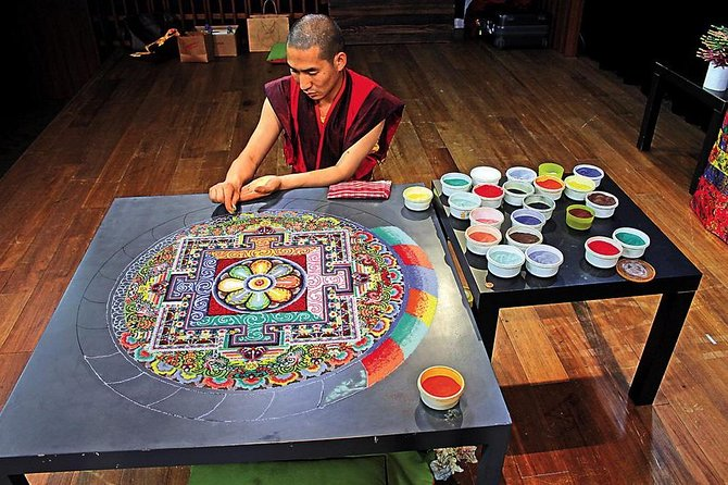 And enter deep into the Tibetan world of Shangri-La,with its majesticsnowy mountains, endless grasslandsandidyllic villages. In this trip youwill learn how to make Thangka, a century-old art form in Tibetan culture.