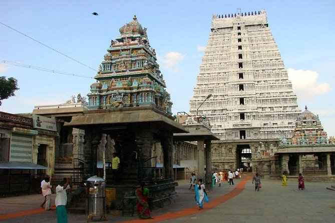 On this day excursion from Pondicherry, visit the largest Shiva temple in the world. The temple is situated in the town of Thiruvannamalai, about 60 miles from Pondicherry. After a tour of the temple, visit the nearby Ashram (monastery) of the Saint and Philosopher, Sri Ramana Maharshi, who lived here until his death in 1950.<br><br>Highlights<br> • Drive through the South Indian countryside <br> • Visit to Arunachaleswarar Temple, the largest Shiva temple in the world <br> • Visit to Sri Ramana Maharshi Ashram