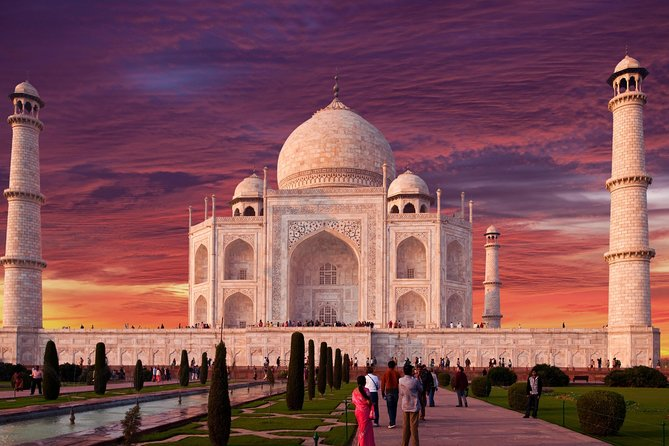 In this All Inclusive Luxury Private tour you will visit Taj Mahal, Agra Fort and Baby Taj (Tomb of I'timād-ud-Daulah). Entrance Fees to three monuments, Lunch at 5 Star Hotel Courtyard by Marriott and Air Conditioned car with English speaking driver are also included in this Luxury private tour.