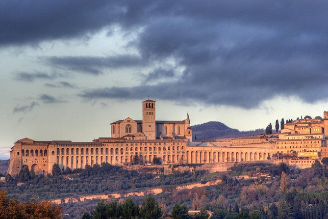 Private 10-Hour Tour of Orvieto & Assisi from Rome with Hotel Pick up, Orvieto, ITALIA