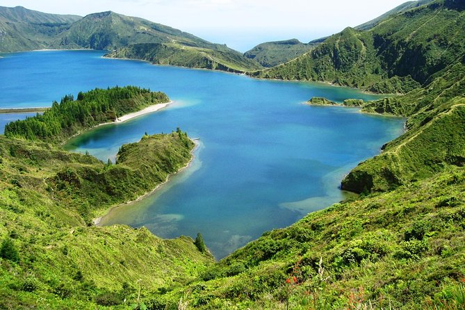 Join this half day tour to Lagoa do Fogo (Fire lake), set in dramatic natural surroundings.