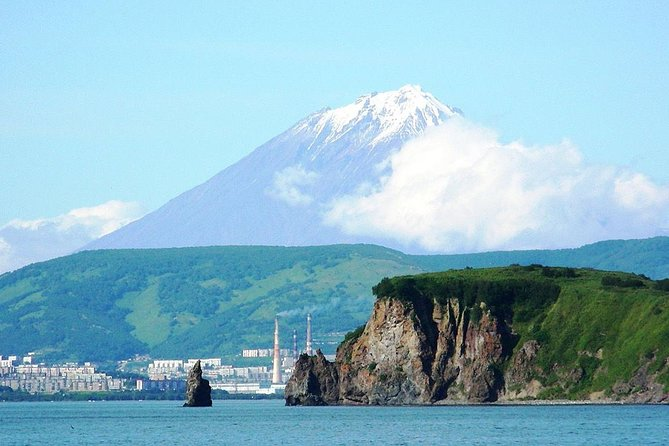 This tour package is ideal for short term visitors (cruisers, round the world explorers, business people). Use every minute of your stay in Kamchatka to see the city, culture, folk art and to taste local cuisine.<br>• Petropavlovsk-Kamchatsky (PKS) - capital of Kamchatka Region and oldest port in Russian Far East (RFE), originating from 1741 when Vitus Bering and Alexei Chirikov set sail on 2nd Kamchatka Expedition resulting in their discovery of Alaska.<br>• Pay tribute to Charles Clerke, a famous British explore and hero. It was placed in PKS, where he died after a failed attempt to cross Bering Strait. Salute the exploration spirit at monument to Jean-Francois de la Perouse, a French explorer, whose ship was torn apart during his round-the-world voyage (1787) by a storm with only one crew member surviving out of 242.<br>• Tour Kamchatka Regional Museum to get a good background on the natural history of Peninsula.<br>• Experience Paratunka valley.<br>• Guaranteed skip-the-line entrance.
