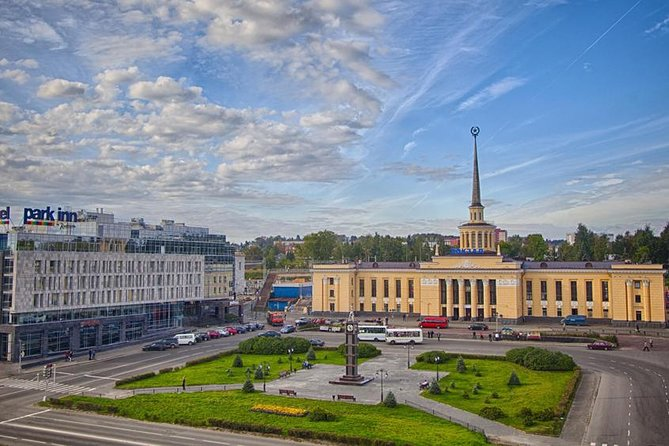 During the city tour (on foot) you will get acquainted with the history of Petrozavodsk from the foundation by Peter the Great to the 21st century.<br><br>The history of Petrozavodsk counts for more than 300 years. During this 2-hour walking tour around the city, you will get acquainted with it. Modern Petrozavodsk is a multifaceted and diverse city. Founded in 1703 on the bank of Lake Onego Petrozavodsk played an important role in defending the borders of the Russian Empire. In 1777 Petrozavodsk was granted the status of a town and soon became the capital of the area. Petrozavodsk is the centre of a multinational republic: there are many ethnic bands of Karelian, Vepsian, Ingrian cultures.<br><br>During this guided tour around Petrozavodsk, you will see the monument to Peter the Great, newly built modern embankment, the oldest park in the city, Kirova and Lenin square, open-air industrial history museum.<br><br>Please, note that entrance tickets to the museums of Petrozavodsk are not included.