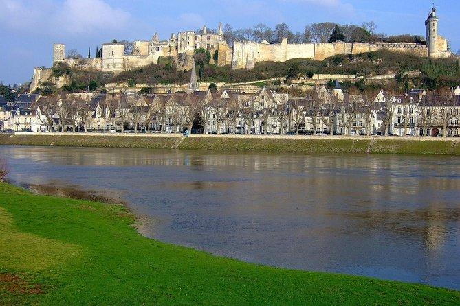 Les châteaux de Chinon et Azay-Le-Rideau - Avec chauffeur et Billets d'Entrée, Chinon, FRANCIA