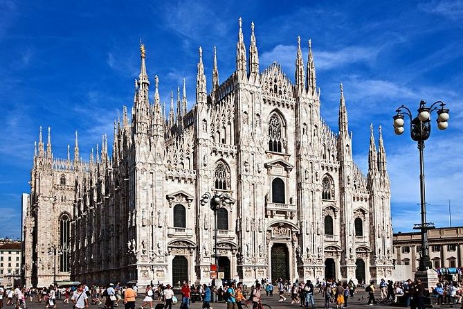 Spend one day of your journey walking in one of the most famous city of Italy that has so much to offer: history and art, shopping streets and gorgeous architecture.