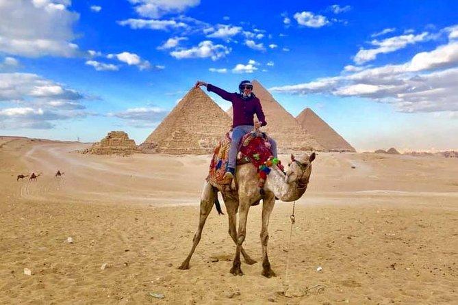 Camel or Horse Riding at the Pyramids from Cairo, Guiza, EGIPTO