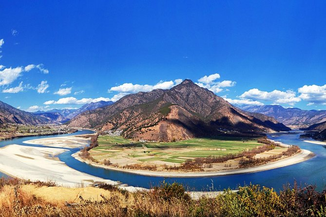 Full-Day Private Trip: Marvelous Gorge Sightseeing and Photo-Taking From Lijiang, Lijiang, CHINA