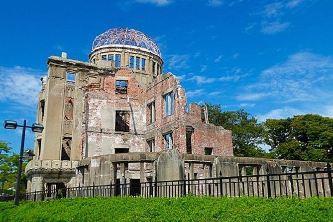 Hiroshima & Miyajima 1-day Private Guide Tour (Use public transportation), Hiroshima, JAPÃO