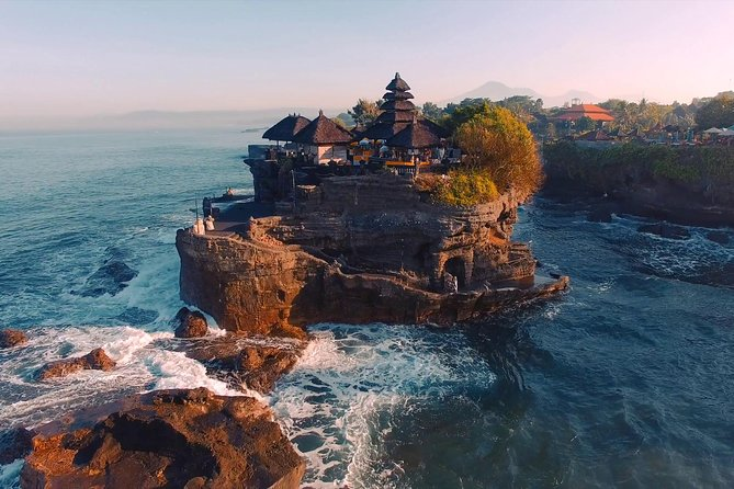 Tanah Lot Temple and Uluwatu Temple Tour with Shopping, Surabaya, Indonesia