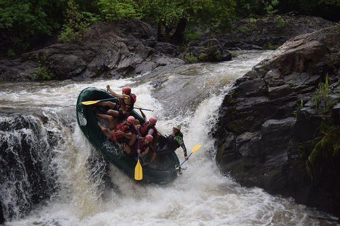 Costa Rica is well-known as the whitewater rafting capital of the world due to its abundant raging rivers and thriving adventure attitude! You won't want to miss out on this quintessential Costa Rican activity while you're at the beach! Go rafting rain or shine -- you're going to get wet anyway! <br><br> Note: <br><br>If you staying at Tamarindo Beach selected the TG1: Rafting from Tamarindo, <br><br>otherwise if you staying at JW Marriott Guanacaste select TG2: Rafting from JW Marriott Guanacaste to be pick up.