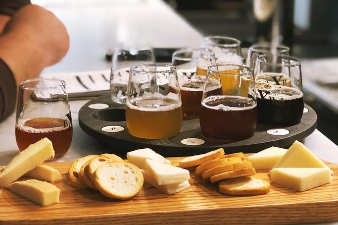 The Compromise Tour- Includes Brewery, Winery, Distillery, Ice Wine and Cider, Cataratas del Niagara, CANADA