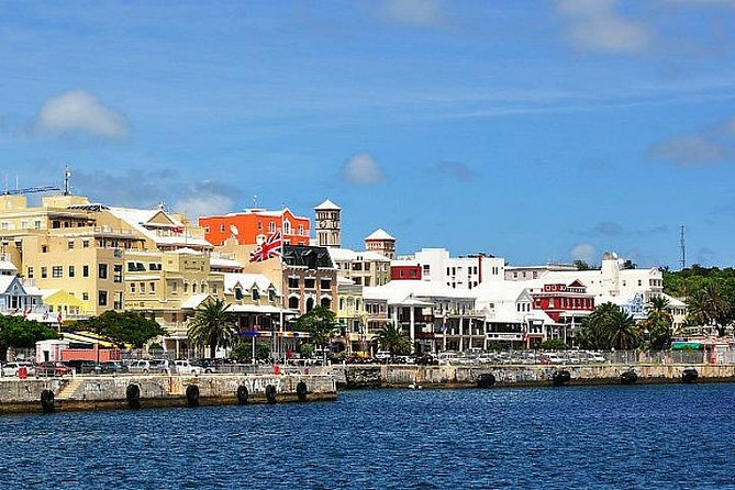 Discover one of Bermuda's oldest living treasures during this 5-hour tour of Crystal Caves, with stops in at the Bermuda Aquarium and nearby shopping. Explore the caverns and limestone formations of the caves (entrance fees not included) and wander along a floating pontoon pathway underground. Then head to the Bermuda Aquarium (entrance fee not included), Museum and Zoo to see a replica of one of Bermuda's spectacular coral reefs. Finally, wander around Hamilton and shop along Front Street with its many boutiques and retail stores. When you are ready, you can take the Ferry back to your final destination (ticket included)<br>*All 9:30am tour start time will be adjusted according to the arrival time of the ships.*<br><br>Minimum age restriction: All passengers must be 5 years and above.