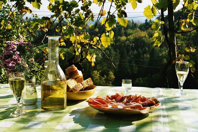 Carso panoramic tour with wine at a traditional farmhouse, Trieste, ITALIA