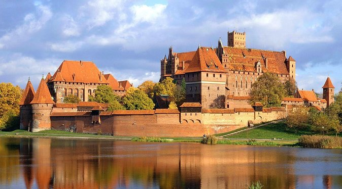 One day trip to the marvelous Malbork Castle and charming area of Żuławy Wiślane. The best chance to see the biggest brick castle in the world and the delightful polish countryside in one. Spend a memorable day with an extraordinary program with a polish traditional lunch on the banks of Nogat River. On the end explore Westerplatte Penisula, where World War II began. Meet with a history of the first battle of this war. Go out with us off the beaten track and discover more.