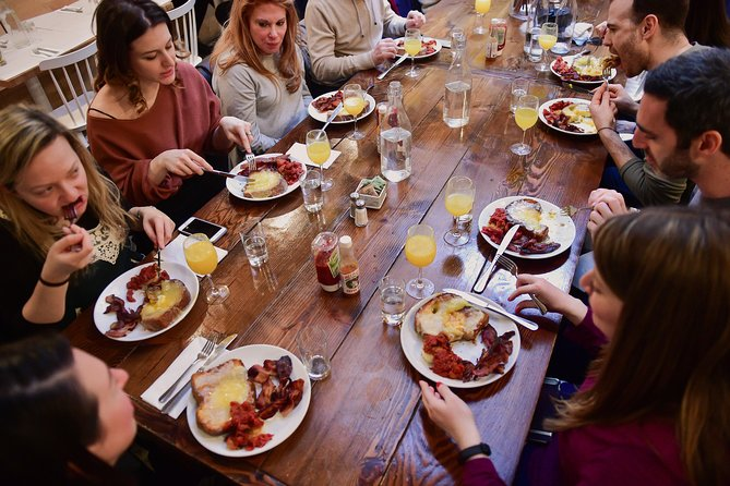 Eat your way through one of NYC's most exciting dining scenes in the trendy Williamsburg, Brooklyn. Savor a 4-course progressive meal where each course is served at a different restaurant, starting with two appetizers, an entree and concluding with dessert. Along the way, you'll hear the stories of Williamsburg's distinguished chefs and restaurant owners. Come eat with us!
