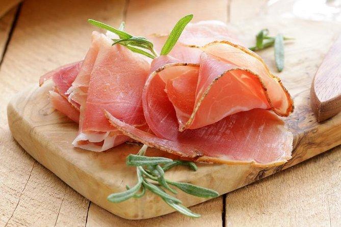 2-hour Parma Ham Farm Tour and Tasting Tour, Parma, ITALIA