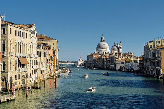 Be captivated  by the beauty of Venice, made up of 117 small islands connected to each other by 400 bridges.  Let yourself be seduced by one of the city considered among the most beautiful in the world  and, together with its lagoon, it is a World Heritage Site by UNESCO.