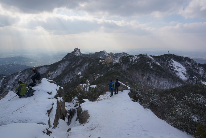 Hiking to Bukhansan Peak(Baegundae: 836.5m) with Mountain Expert, Seul, COREIA DO SUL