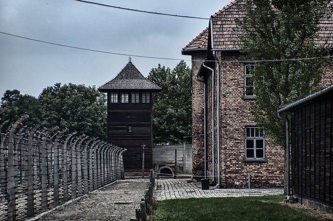 Auschwitz Birkenau Guided Tour from Krakow, Cracovia, POLONIA