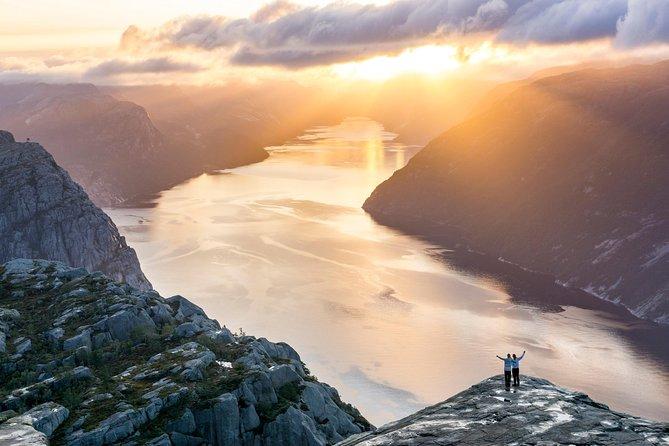 Preikestolen Sunrise Hike, Stavanger, NORUEGA