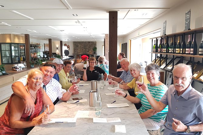 Full-Day Marlborough Catamaran Cruise with Wine Tour and Lunch, Blenheim, NUEVA ZELANDIA