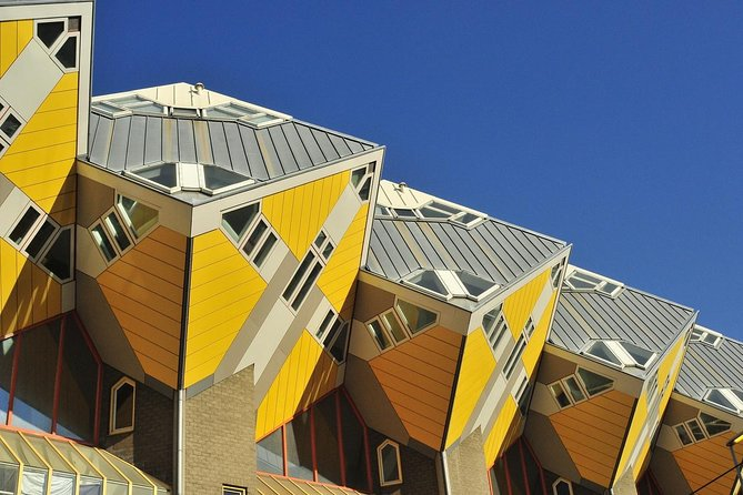 Rotterdam Walking Tour: The Old Town Spy Game , visit Old Harbor & Cubic Houses, Rotterdam, HOLANDA