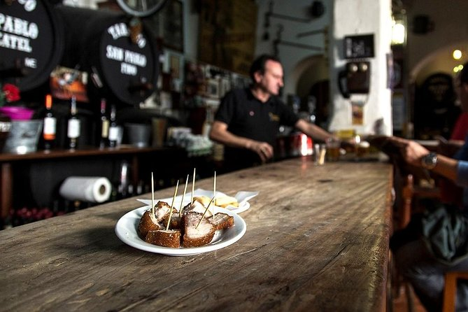 This very popular Tapas Tour is something that cannot be missed in the city of Jerez, which is famous for its lively and delicious tapas scene. Come learn about our famous gastronomy on this tour where our guides will lead you to the most emblematic areas of our historical heritage – both cultural and gastronomic – at the most well-known restaurants in the city. Enjoy a PRIVATE TOUR !