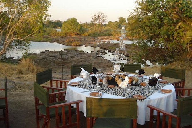 Guided Falls Tour, African Village Tour & Night Game Driver with Bush dinner, Cataratas Victoria, ZIMBABUE