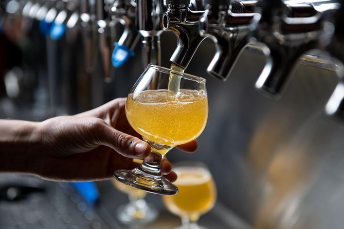 Montreal Craft Brewery and Beer Tasting Tour, Montreal, CANADA