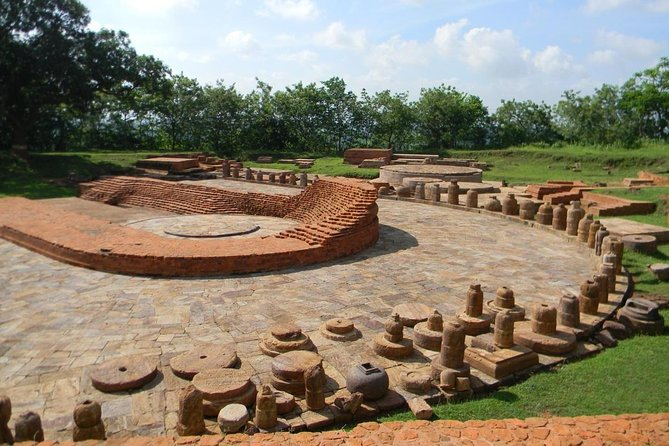 Bhubaneswar is the capital of the East Indian state of Odisha, until recently known as Orissa. About 50 miles from Bhubaneswar lie the ancient Buddhist Centers of Lalitagiri and Ratnagiri, which together with the site of Udaygiri form what is known as the 'Diamond Triangle of Odisha'. On this day-excursion from Bhubaneswar visit the ancient Buddhist sites of Lalitagiri and Ratnagiri that date from the 1st century B.C. to the 12th century A.D.<br><br>Highlights<br> • Stone casket containing the relics of the Buddha, Lalitagiri <br> • Standing statues of the Buddha <br> • Sculptures of the Gandhara School of Architecture