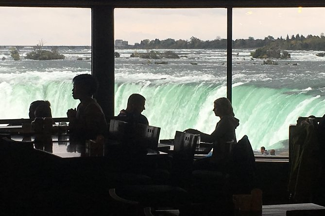 Helicopter Ride Over The Falls and Sit down Meal at Elements located on Falls, Cataratas del Niagara, CANADA