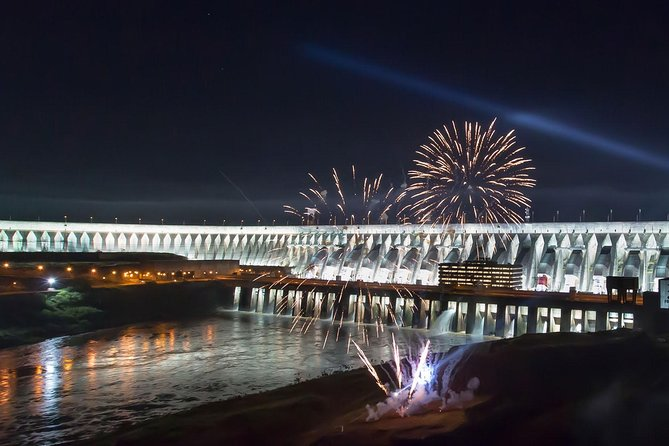 Imagine access the dam in the night, this visit happen only friday and saturdays and it is only made in portuguese, is a chance to have another view of Itaipu Dam.