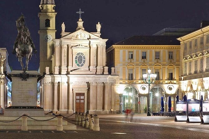 Turin by Night Sightseeing Guided Walking Tour & Vermouth Tasting in Vanchiglia, Turim, Itália