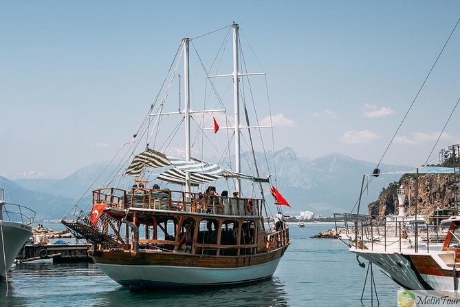 Sunset Cruise with Live Music and Dinner, Fethiye, Turkey