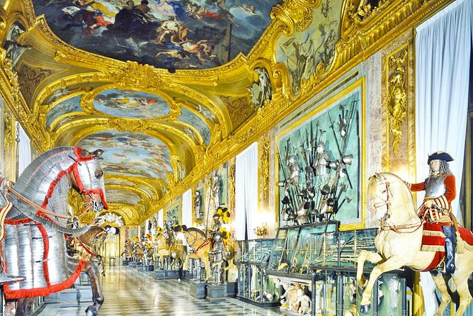 MAIS FOTOS, Skip the line Turin Royal Palace Tour with Holy Shroud Chapel, Armoury & Gardens