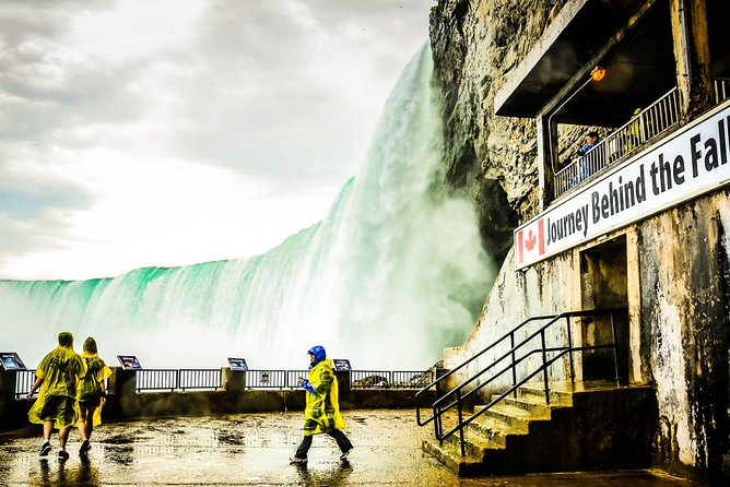 Niagara Falls Day and Evening Tour With Boat Cruise and Optional Fallsview Dinner, ,
