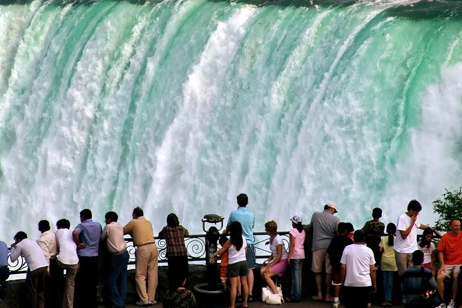 MÁS FOTOS, Luxury Niagara Falls Day Trip from Toronto with Cruise and Lunch