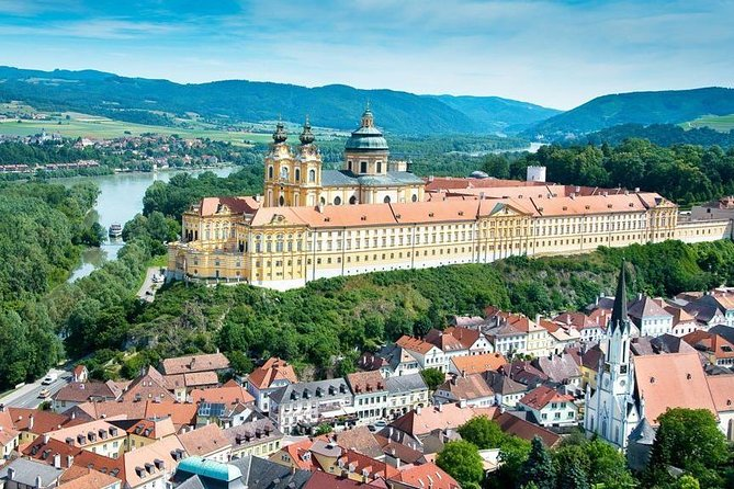 Enjoy private sightseeing transfer between Český Krumlo and Vienna via Durnstein (a little town in the wine region of the extensive Danube valley called Wachau), Melk (famous baroque abbey) and Rožmberk (little town with a beautiful castle)