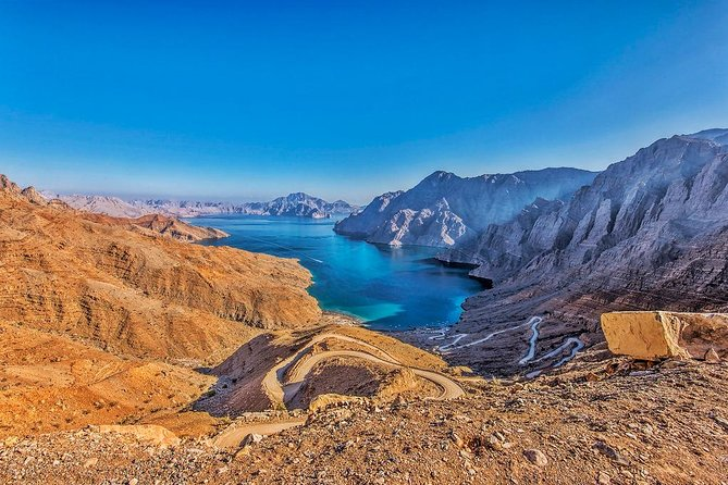 """By 4 Wheel Drive adventure to Jebel Harim, translated as the """"Mountains of Women"""", the highest peak of the Musandam Peninsula at 2,087 meters above sea level, where you will enjoy views of the Hajar Mountains. Along the way you will be able to observe fossils dating back several million years."""