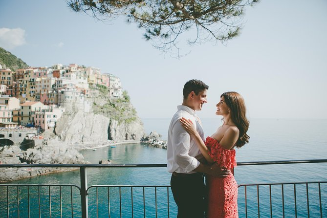 120 Minute Private Vacation Photography Session with Photographer in Cinque Terre, La Spezia, ITALY