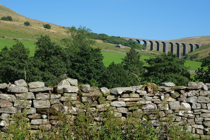 Explore the rugged Lake District, Yorkshire Dales & Hadrian's Wall on this 5-day UNESCO & National Parks Tour from Windermere, including hotel or guesthouse accommodation and three full-day tours. Enjoy the Yorkshire Dales Tour including visit Wensleydale Creamery, a Ten Lakes Spectacular trip with a lake cruise and visits to pretty Buttermere, Grasmere and Keswick; plus a Roman Britain & Hadrian's Wall Tour, visiting the Roman Army Museum & Vindolanda. As well as breakfasts, your tour includes visting 2 National Parks & 2 UNSECO World Heritage sites, plus round-trip hotel transfers in Windermere and Bowness.