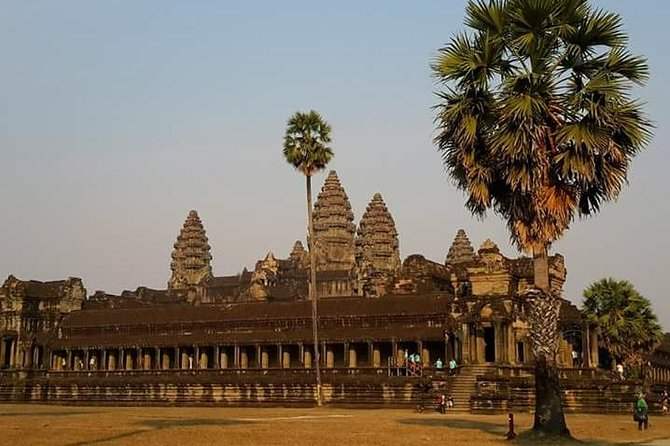 Discover Angkor Wat,the largest religious monument ever built on this half-day private tour. Your dedicated and knowledgeable guide will provide you with all the necessary informationabout the history and legends ofthe iconic temple returning you to Angkorian period. This tour includes lunch at a nearby restaurant and round-trip hotel transfers, with both morning and afternoon departures available.