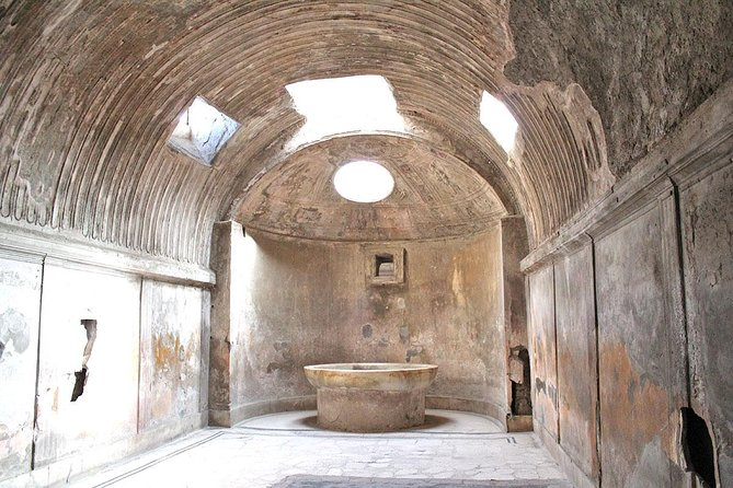 Skip-the-line Small Group Guided Walking Tour of Ancient Pompeii Highlights, Pompeya, ITALIA