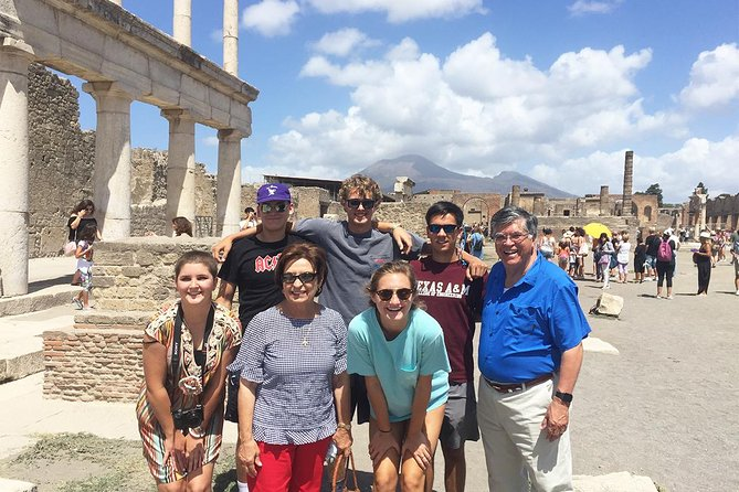 Skip-the-line Small Group Guided Tour of Pompeii top Highlights with Local Guide, Pompeya, ITALY