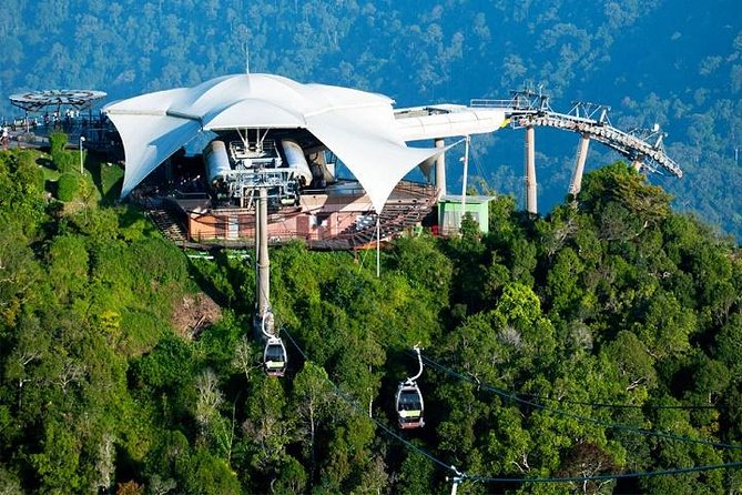 Escape the heat from the city and enjoy cooling breeze at the top of Mount Machincang. Take the cable car and experience this beautiful journey to the peak of the mountain and be amazed with the breathtaking 360 panoramic views of Langkawi. Explore SkyBridge and go for some outdoor activities at Oriental Village located at the foot hill. Take some beautiful photos at Eagle Square –Dataran Lang before head back to your hotel.
