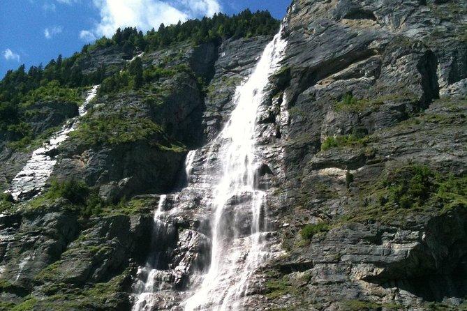 Waterfalls, Lake Thun, and Lake Brienz Private Tour from Interlaken, Interlaken, SUIZA
