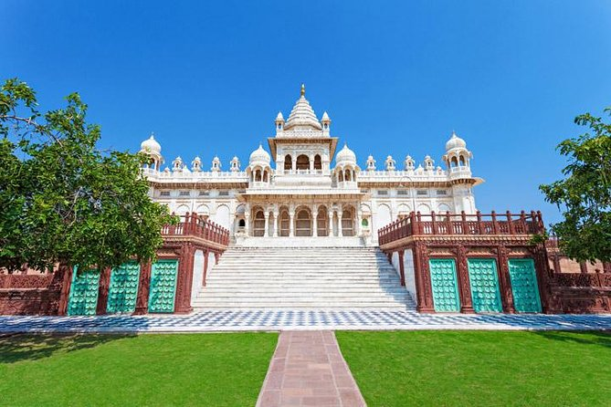 Visit Jodhpur, also known as the Blue City, on this private full-day tour. You'll marvel atarchitectural masterpieces, like Mehrangarh Fort and its royal palaces, enjoy a buffet lunch, and explore Sardar Market winding around the city's historic clock tower.