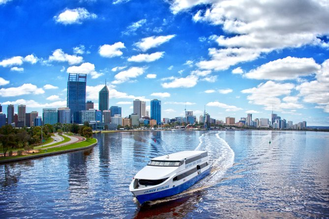 Whilst you are visiting Perth, it is a must to take a cruise along the Swan River. The 2.5-hour Swan River cruise allows you to see the wonderful sights that can only be viewed from the river, as you cruise to Fremantle and back to Perth. Cruise past the magnificent homes overlooking the calm and picturesque waters.