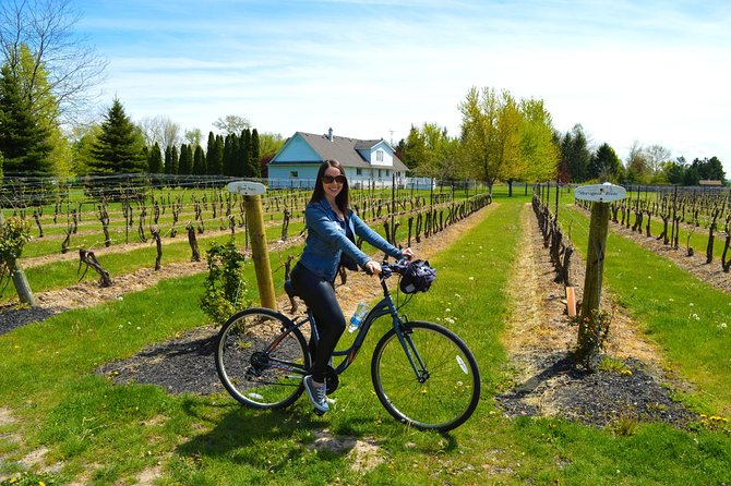 Niagara-on-the-Lake Cycle and Wine-Tasting Tour with Optional Lunch, Cataratas del Niagara, CANADA